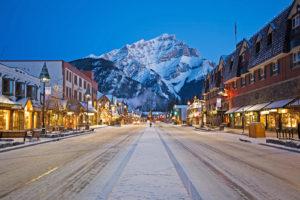Среди наилучших для жизни провинций Канады лидирует Альберта – в расположенный в ней город Калгари вообще едет множество людей, их там примерно четверть от всего населения