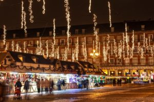 В Европе в декабре вовсю работают красочные ярмарки