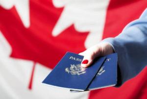 Владение языком - основное условие иммиграции в Канаду, потому что получение временной работы или приглашение на постоянную без этого невозможно